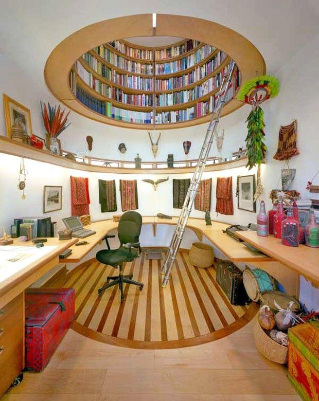 Estante para livros suspensa. Se você tem espaço em casa, com certeza vai querer essa estante! Amei demais.