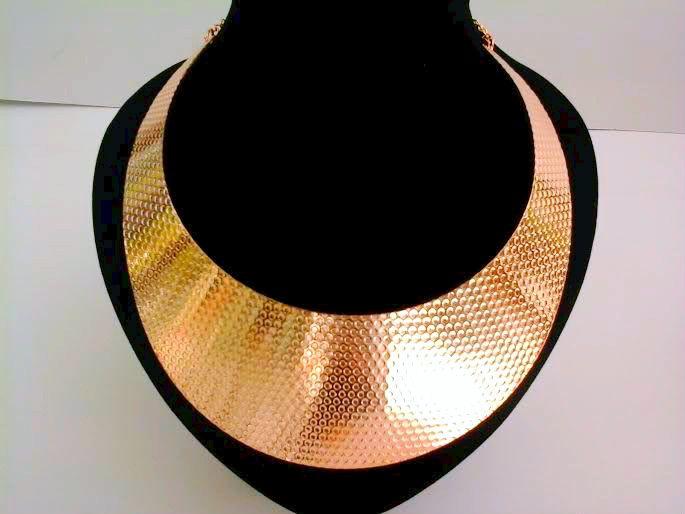 χειροποιητα αξεσουαρ μοδας κολιε βραχιολια και σκουλαρικια στο http://www.amalfiaccessories.gr/accessories/#