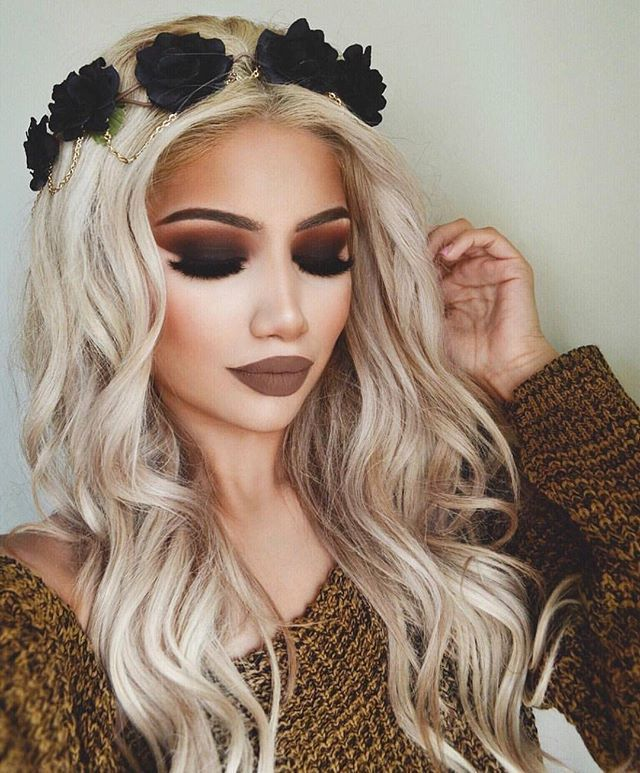 Angel on earth @makeupbyalinna looking so divine in this look using the 35O palette.  She is a total #MorpheBabe