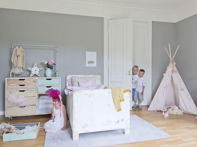Kreativt barnerom: Lucianna (6) synes det er stas med eget telt p? rommet. Et slikt tipitelt kan ...