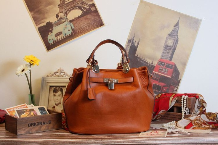 SLOUCH LEATHER HANDBAG ONLY £88. #GIFTS #FASHION