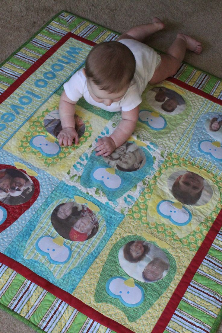 Reversible Baby Photo Quilt with Family Tree by Lime Lane Love - love this idea for introducing baby to large extended families or loved ones who are far away.