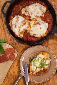 Chicken pepperoni = chicken, tomatoes, and pepperoni in one pot. Easy, simple, and most important, tasty.