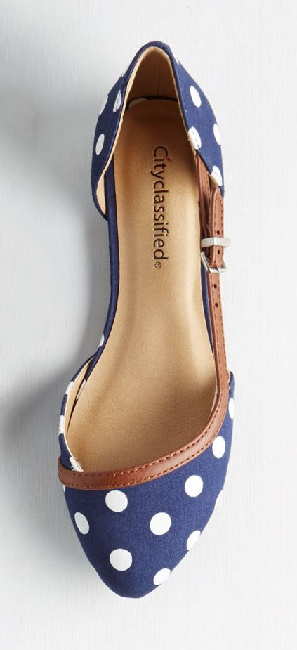Love these flats! I like the pointy toe and fun style.