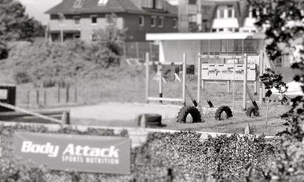 Der Parcour im Herzen Hamburg führt durch durch Dreck, Schlamm und Wasser und bietet 13 unterschiedliche Herausforderungen
