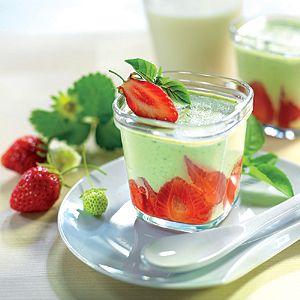Découvrez l'alliance subtile de la fraise, du mascarpone et du basilic dans ce yaourt aux saveux incomparables.