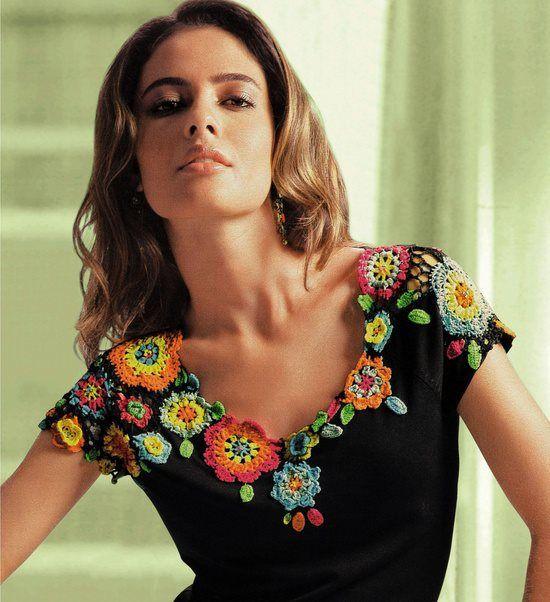 Blusa com aplique de crochê ( imagem apanhada na net)