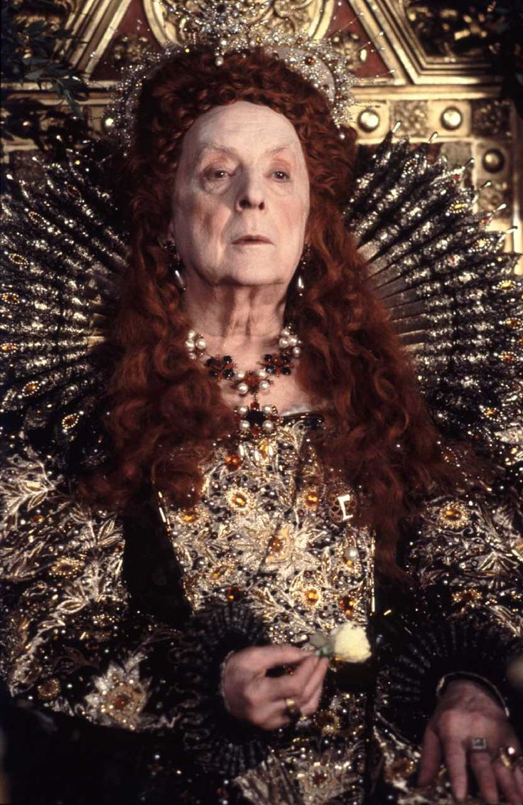 Quentin Crisp as Queen Elizabeth I. (Photo taken by Liam Longman © 1992, Courtesy of Sony Pictures Classics)