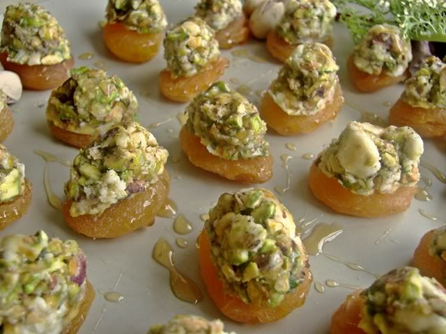 102 best tapa 39 s images on pinterest cooking food for Blue cheese canape
