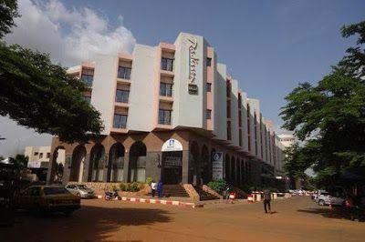 Gunmen storm Radisson Blu Hotel in Bamako, Mali this morning, taking 170 hostages - http://www.thelivefeeds.com/gunmen-storm-radisson-blu-hotel-in-bamako-mali-this-morning-taking-170-hostages/