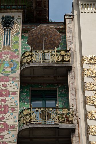 """Vienna, """"majolica house """", 1899, arch. Otto Wagner"""