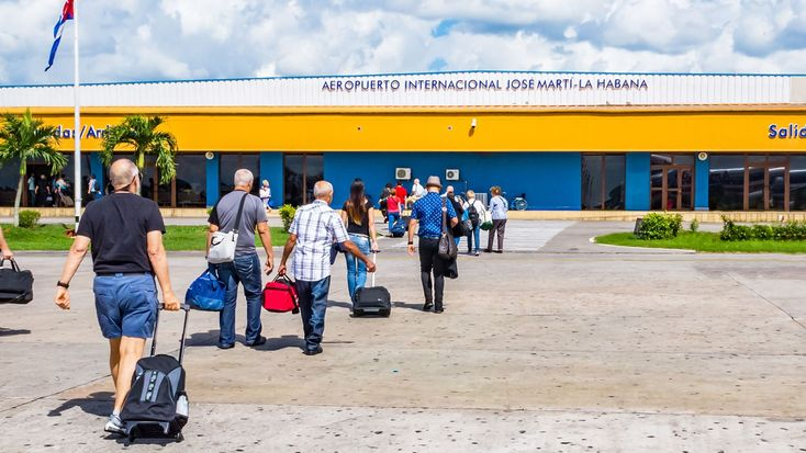 American Airlines' sales to Cubans off to a slow start: Travel Weekly