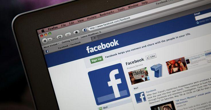 """Cómo hacer encuestas en Facebook. Aunque el sitio web de la red social Facebook no te ofrece una manera de crear encuestas, el sitio alberga una aplicación de terceros que sí lo hace. La aplicación, llamada simplemente """"Poll"""" (encuesta en inglés), te permite crear tu propia pregunta y sus respuestas potenciales. A continuación la aplicación te permite publicar tu nueva encuesta ..."""
