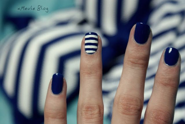 Navy nail art maybe have the ring finger with coral