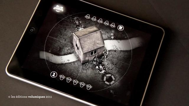 The Ghost Family Game by éditions volumiques. The Ghost Family is a game using a haunted paper house placed on top of an iPad.