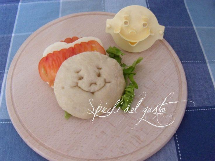 Spicchi del gusto: Panino sorridente con cuore di grappa fior di maso