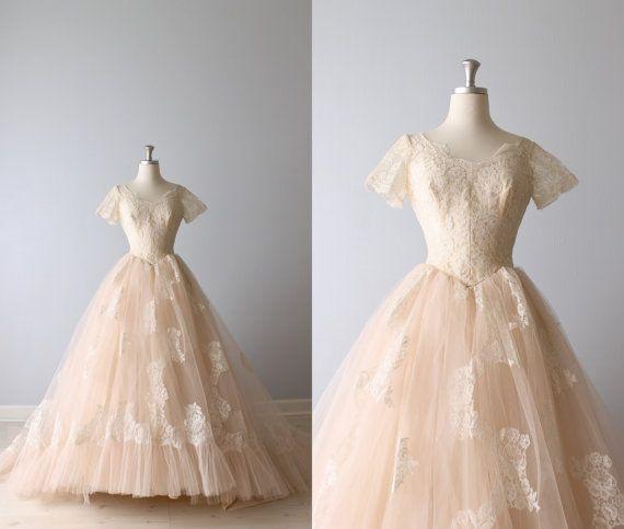 SO beautiful!!!!!  Vintage 1950s Wedding Dress / Blush Pink Wedding Dress /  Lace Wedding Dress / Blushing Bride