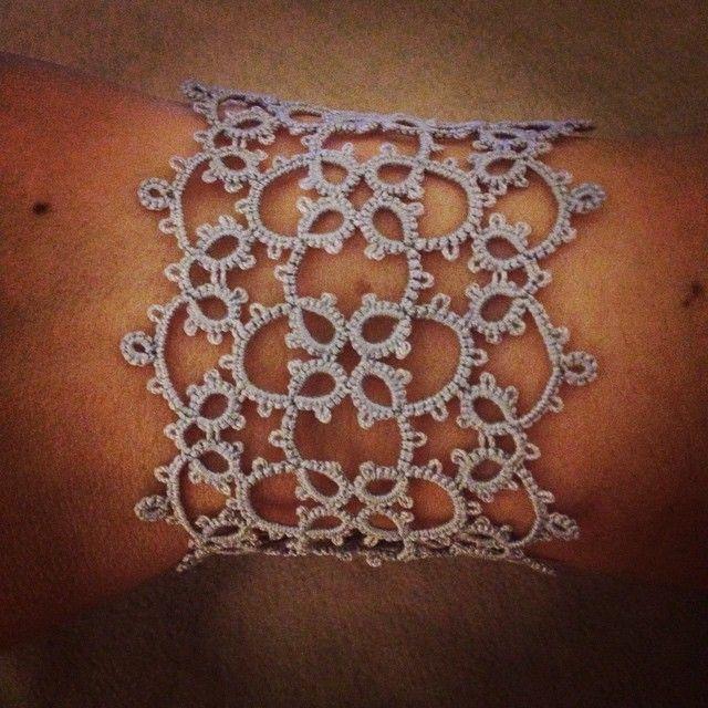 Tatted braceletPDF file tatting pattern for Lacy Quatro bracelet by Shannhob