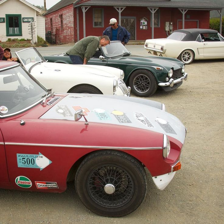 Safety meeting on the way down the California coast. #californiamelee #vintagerally #sportscaradventures #mgbgt #mga #triumphTR4A #mustang