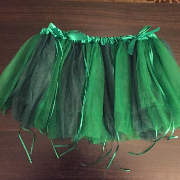 Poison Ivy green tutu Perfect for dress up, costume parties, or raves! BRAND NEW. Hot Topic Skirts