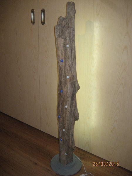 Lampe Stehlampe Treibholz Schwemmholz Skulptur von FILZ_HOLZ_und_MEHR auf DaWanda.com