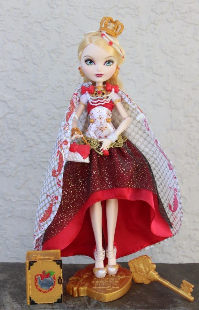 Ever after high Way too Wonderland Apple White Doll Daughter of Snow White New