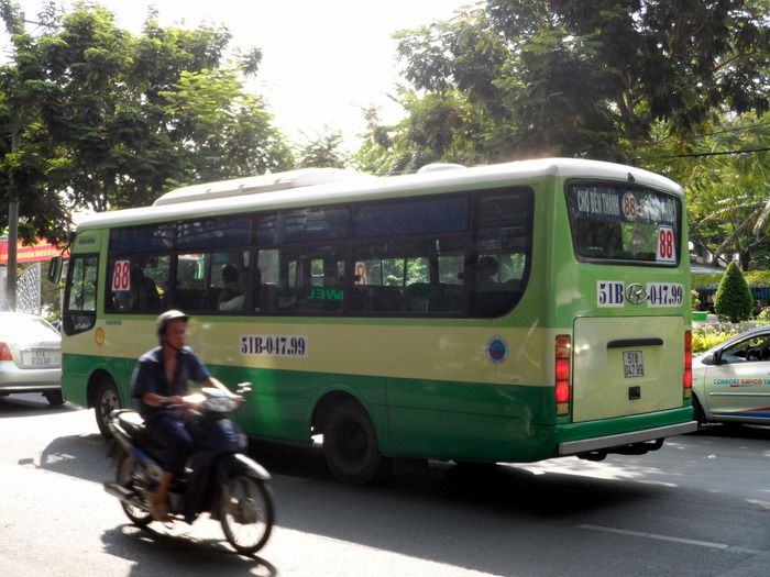 Cheap, frequent and extensive. The Saigon bus network definitely has it's advantages. Here's 8 pros, 7 cons and 8 tips for using the bus system on your next visit to Ho Chi Minh City