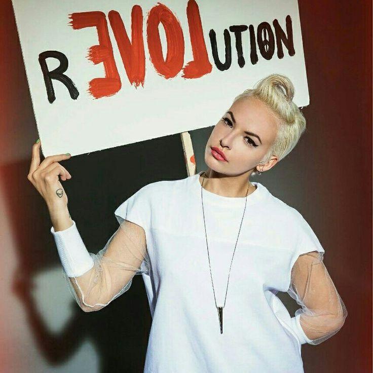 Lumea se schimba prin exemplu tau, nu prin opinia ta!!! ;)