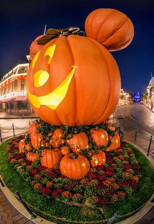 halloween at disneyland paris 2017