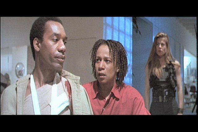 Still of Linda Hamilton, S. Epatha Merkerson and Joe Morton in Terminator 2: Judgment Day (1991)
