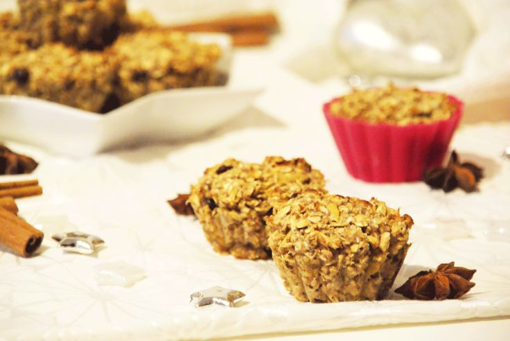 Vegan baking is so easy and so much fun when it´s also healthy :) Oat Muffins to go!