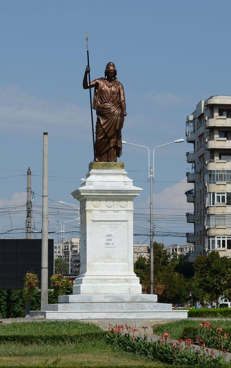 Statuia Libertății, Piața Eroilor, Ploiești (2).JPG