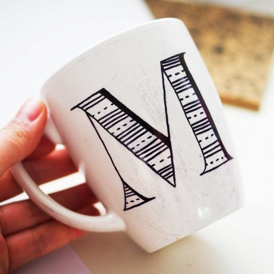 These personalized mugs make the perfect gift, and surprisingly simple to make!