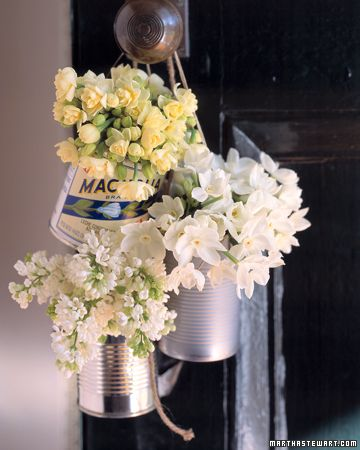 May Day tradition: leave flowers on friends' doorknobsPainting Cans, Country Parties, Front Doors, Flower Ideas, Baskets, Old Tins, Tins Cans, Soup Cans, Crafts