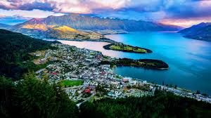New Zealand's cuisine has been described as Pacific Rim, drawing inspiration from Europe, Asia and Polynesia. This blend of influences has created a mouth-watering range of flavours and food in cafes and restaurants nationwide