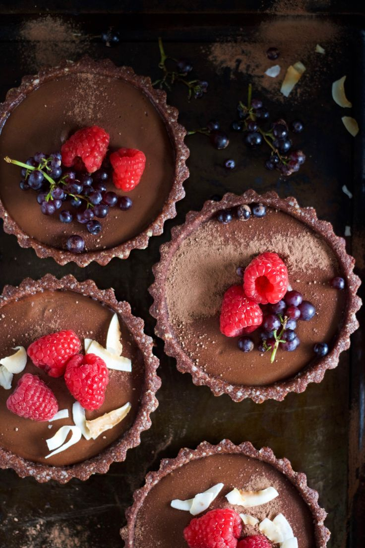 In The Kitchen With: Amy Le's Vegan No-Bake Chocolate Tart | Design*Sponge | Bloglovin'