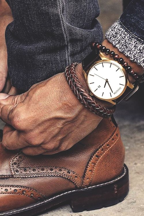 "vividessentials: "" White/Gold Leather Watch 