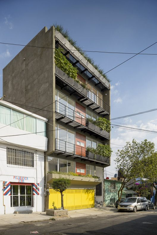 Oriente 7 16  / Accidental | ArchDaily