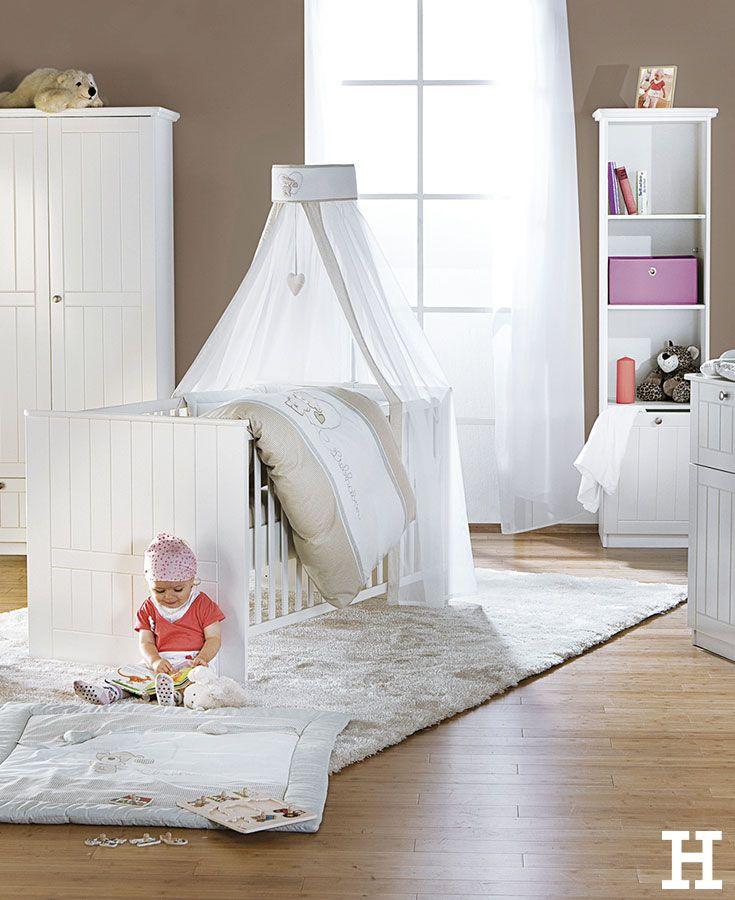 In neutralen Naturtönen wirkt das Babyzimmer beruhigend
