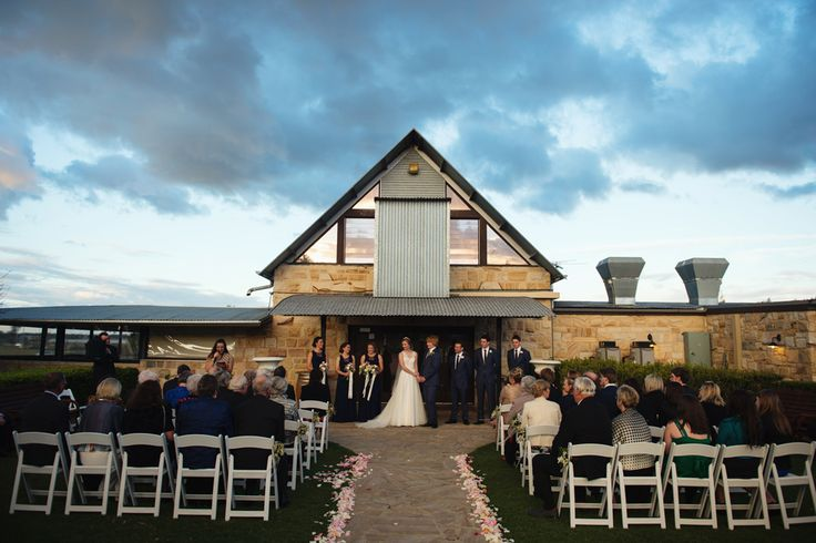 Peterson House Hunter Valley wedding ceremony | @petersonhouse | PHOTO CREDIT: Something Blue Photography - @somethingblueau