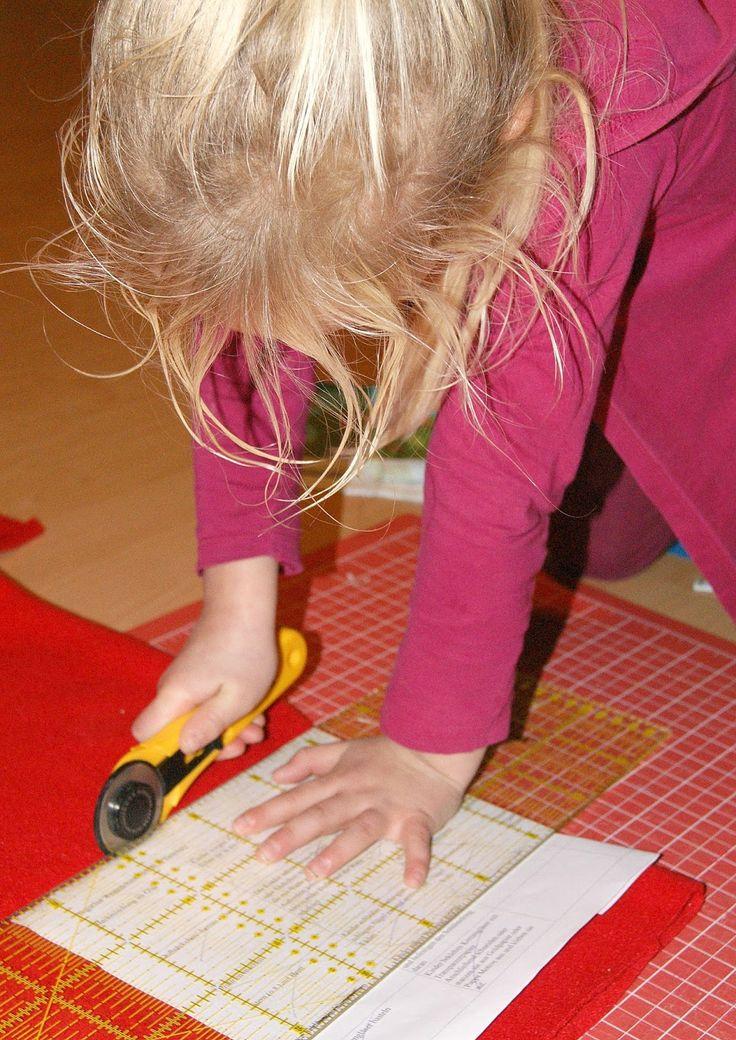 Nadelzauber: Halssocken (bzw. Schlauchschal) nähen mit Kindern - mit Anleitung und Maßen