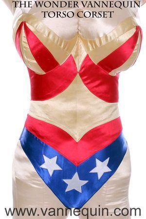 super heroine body pillow- educational sewing projects. www.vannequin.com vannequinbodyform.blogspot.com