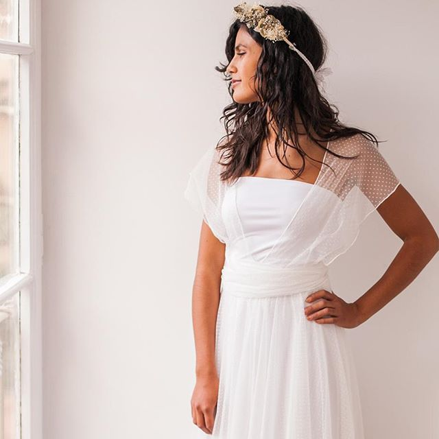 Estoy tan feliz de celebrar los 9 años de Mimètik Bcn que he decidido REGALAR un VESTIDO de NOVIA. Pide cita y descubre la nueva coleccion 2017  te lo cuento todo en el post  SORTEO  http://mimetikbcn.com/es/blog-es/mi-regalo-para-celebrar-los-9-anos-mimetik-bcn/ #vestidodenovia #sorteo #regalo #aniversario #weddingdress #giveaway #novias #barcelonawedding #ateliernovias #vestidodeboda #bodarustica #bodabohemia #bodas2017  Photo @veronicahansenphoto model @jou.gou