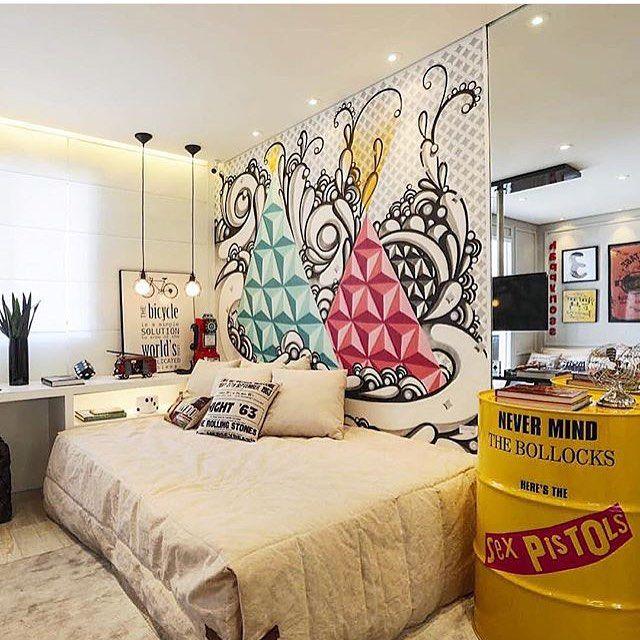 Esse quarto é incrível! As cores utilizadas servem tanto para compor um quarto feminino, como masculino. Gostaram? Por Chris e Claudia.  @decoreinteriores www.decorcriative.com