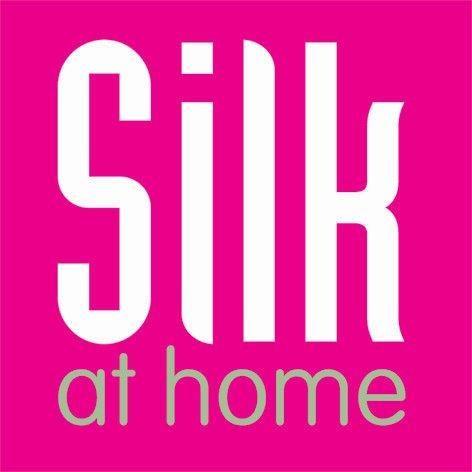 Silk at Home heeft een nieuwe naam en een nieuwe website!  Liz gordijnen.   Linnen, Inbetween en zijde.  Gordijnadvies bij je thuis met kamerhoge voorbeeldgordijnen.