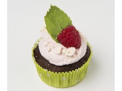 Frambozen en chocolade cupcakes   Libelle-lekker.be