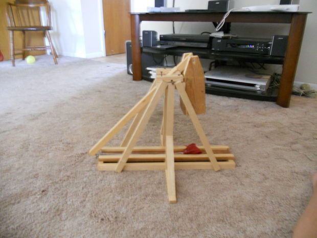 how to make a mini trebuchet catapult