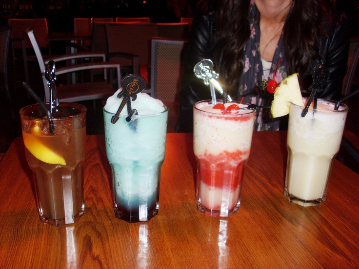 Cocktails from the Hard Rock Cafe in Amsterdam! Long island ice tea, Blue Devil, Pickled Tink and Pina Colada #cocktails