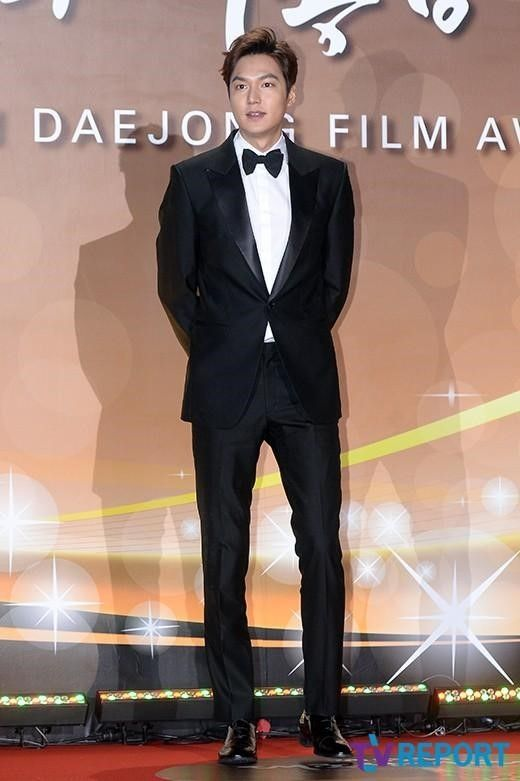 20Nov2015 ((Friday) Actor Lee Min Ho at Red Carpet of 52nd Daejong Film Festival at KBS, Yeiuido, Western Seoul for BEST NEW ACTOR Award 【PHOTO】イ・ミンホ、イ・ヒョヌ、パク・ソジュン…「大鐘賞映画祭」に多くの俳優たちが登場 - MOVIE - 韓流・韓国芸能ニュースはKstyle