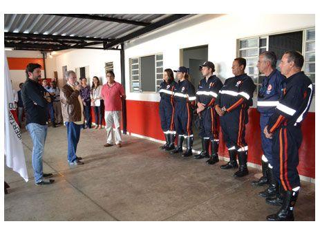 Prefeitura de Paraíso inaugura unidade do Samu http://www.passosmgonline.com/index.php/2014-01-22-23-07-47/regiao/3932-prefeitura-de-paraiso-inaugura-unidade-do-samu